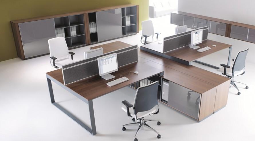 Biurka pracownicze brand stanowisko czteroosobowe oraz szafy