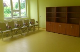 Krzesła konferencyjne samba chrom oraz szafy aktowe
