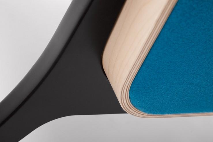 Fotel FIN z podłokietnikami podstawa drewniana detal