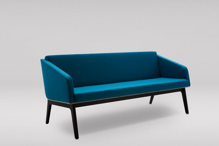 Sofa FIN 3 z podłokietnikami podstawa drewniana