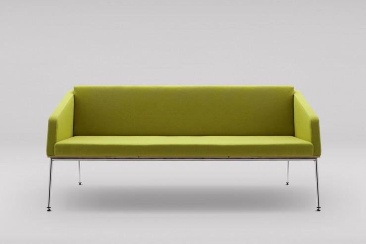 Sofa FIN 3 z podłokietnikami podstawa metalowa